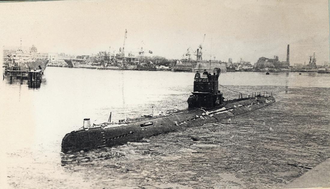 С-191 в военном канале Лиепая 1982г.jpg