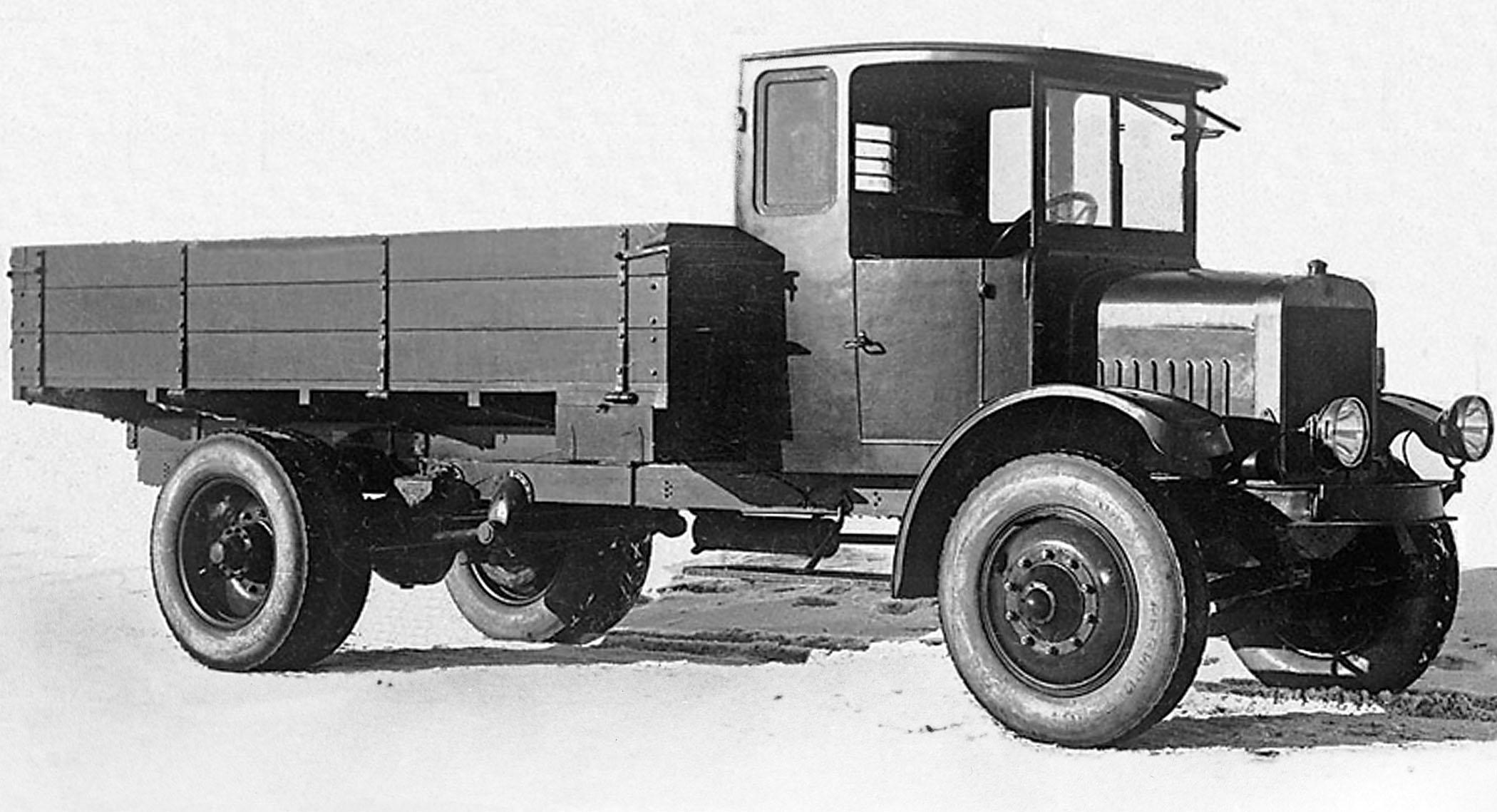 Ya-3_-_Soviet_heavy_truck,_1925-1928.jpg