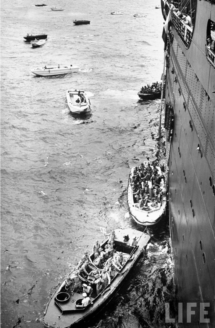 Joint Army-Marine landing maneuvers at New Bern 1941-3.jpg