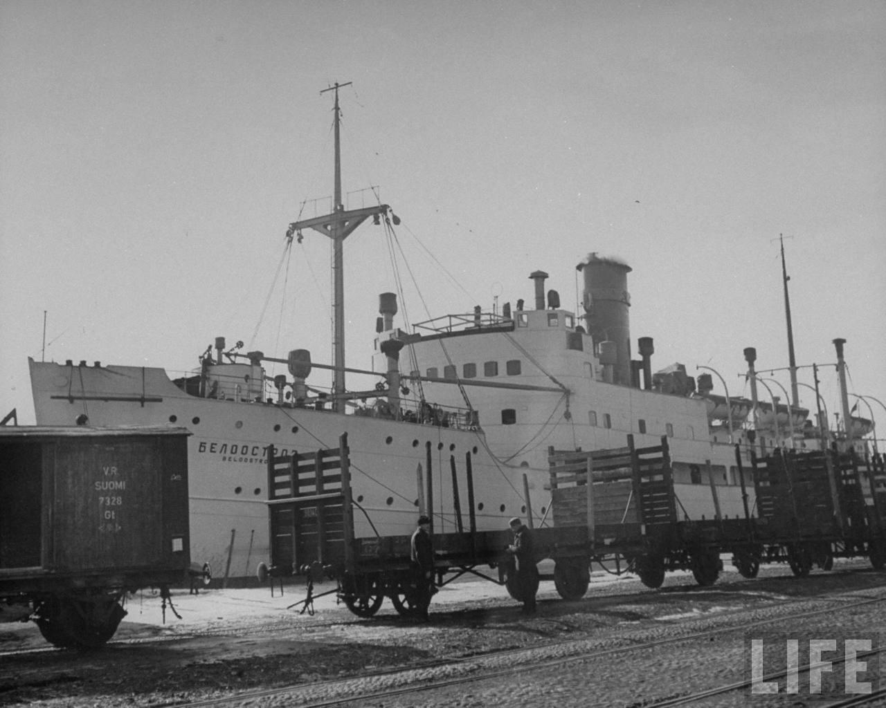 Finnish ship turned Russian Byelo Ostrov.jpg