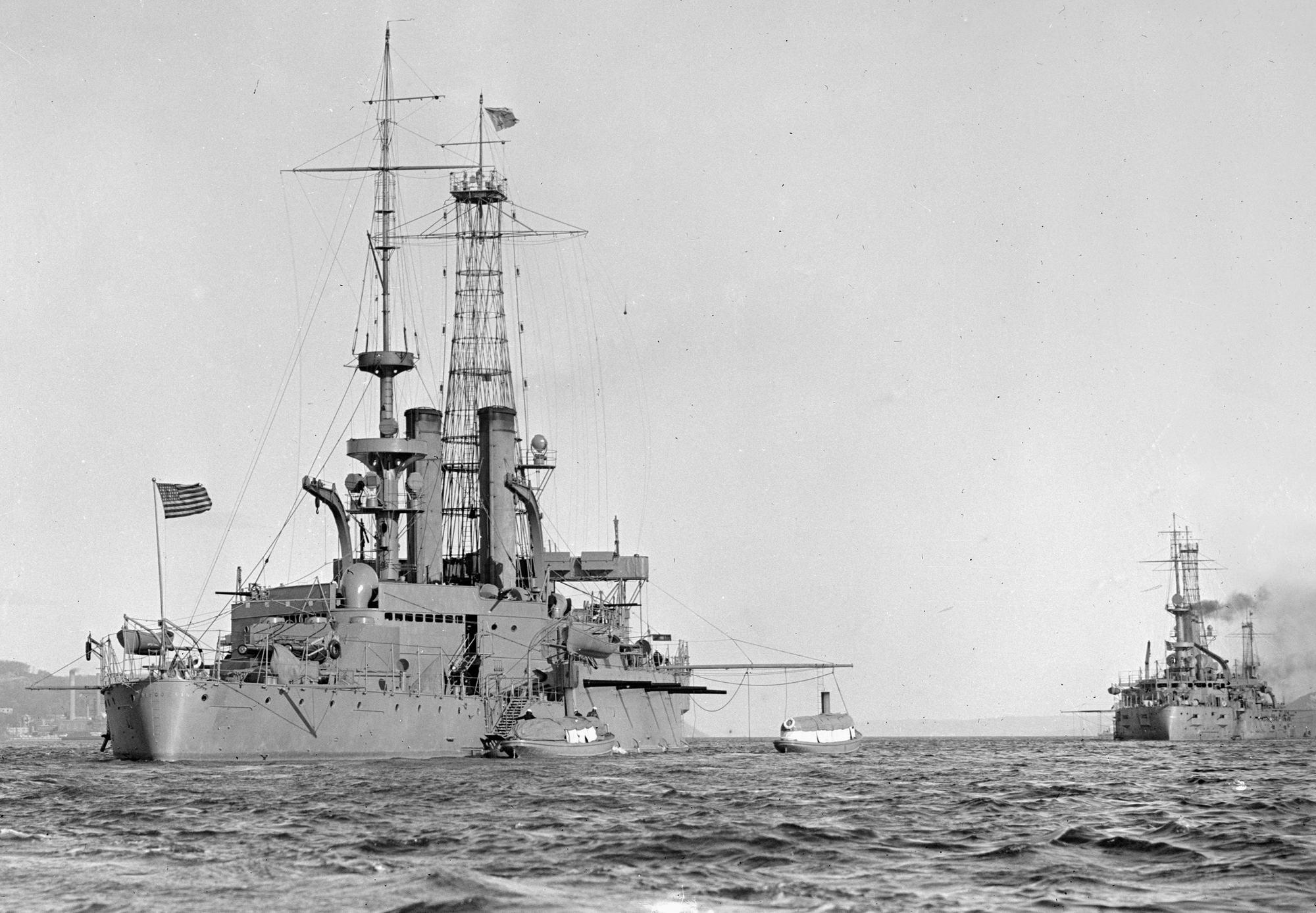 USS Wisconsin (BB-9) after her 1909 refit.jpg