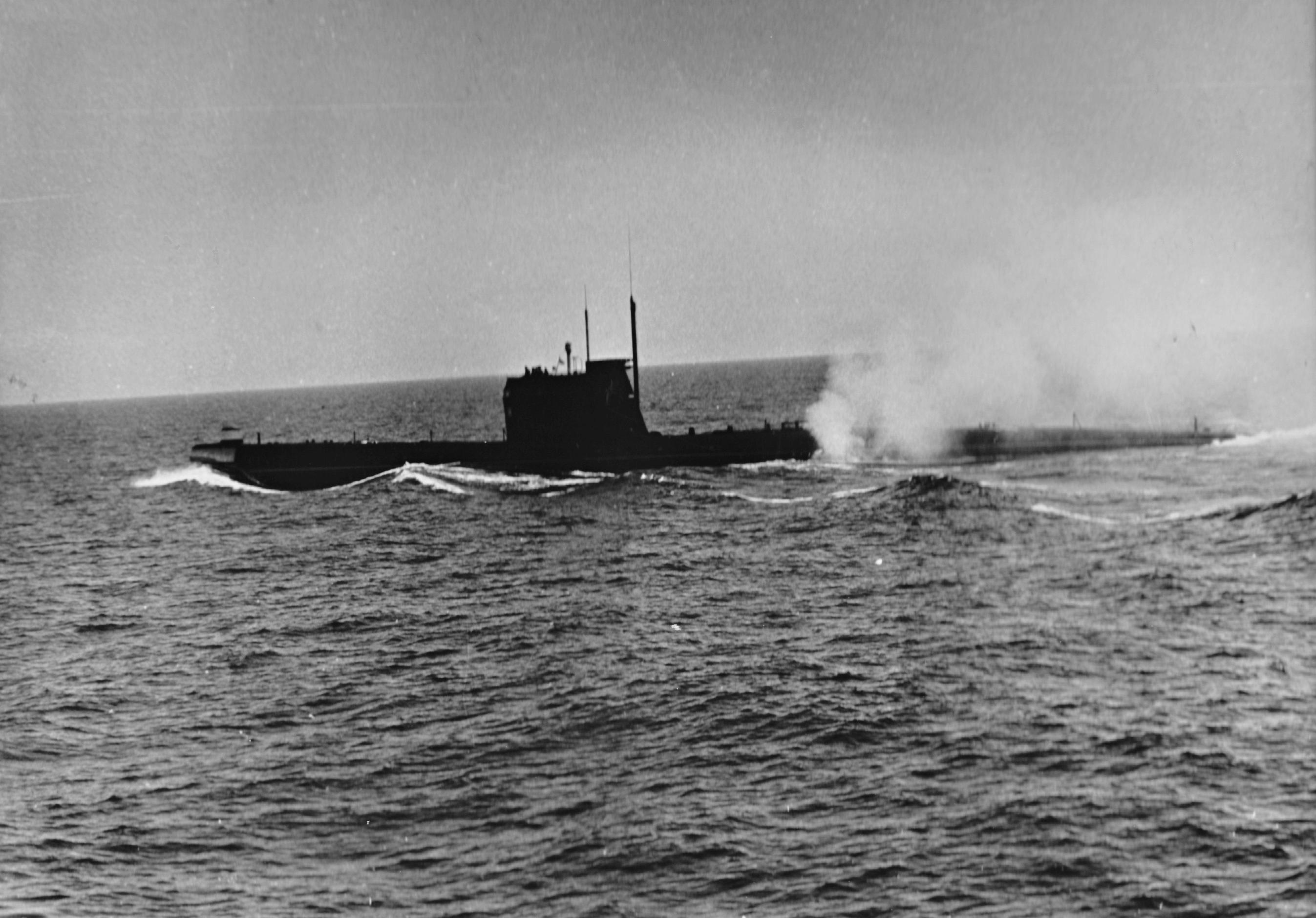 Фокстрот Б-641 в море.jpg