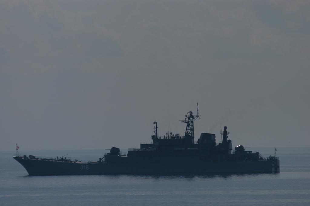 Russian+naval+vessel.jpg