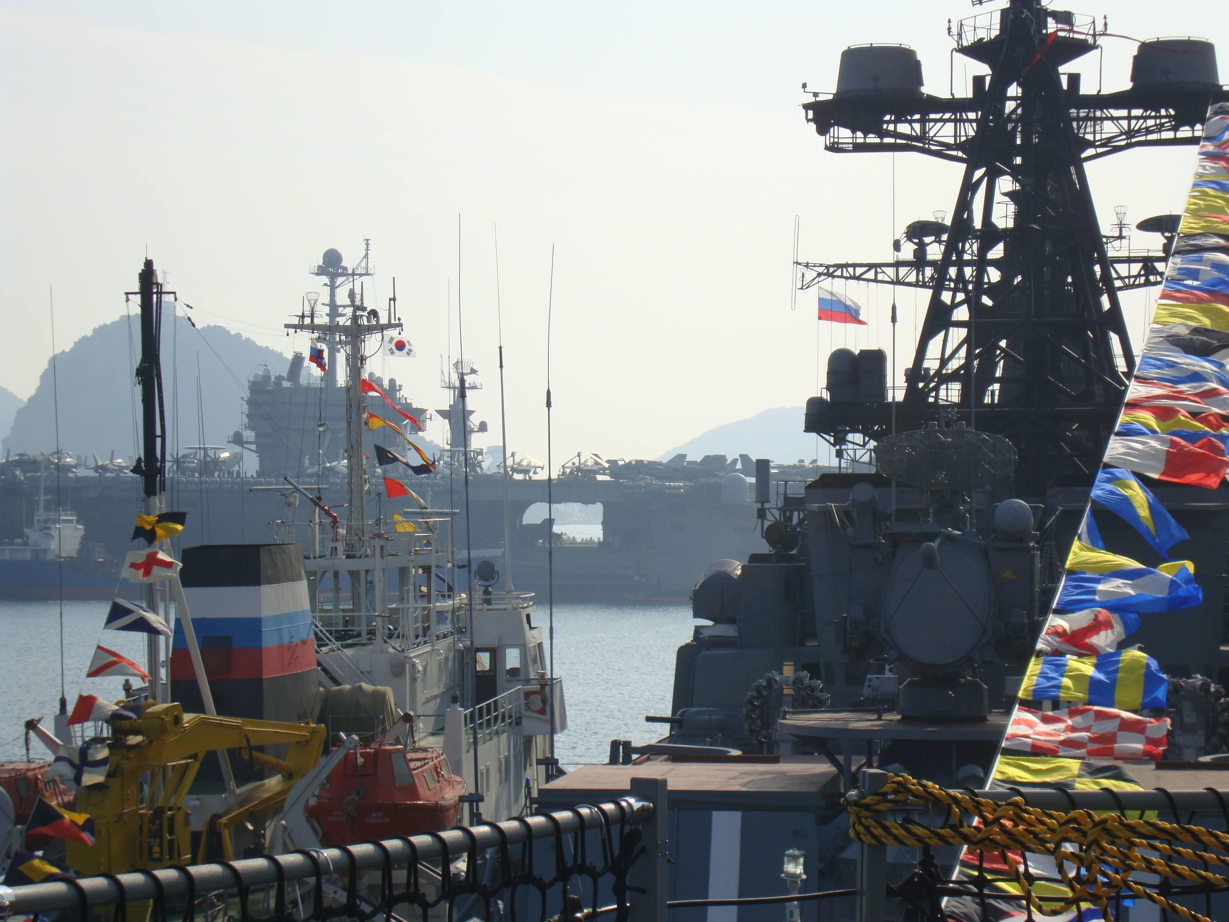 Russian ships at Busan res.jpg