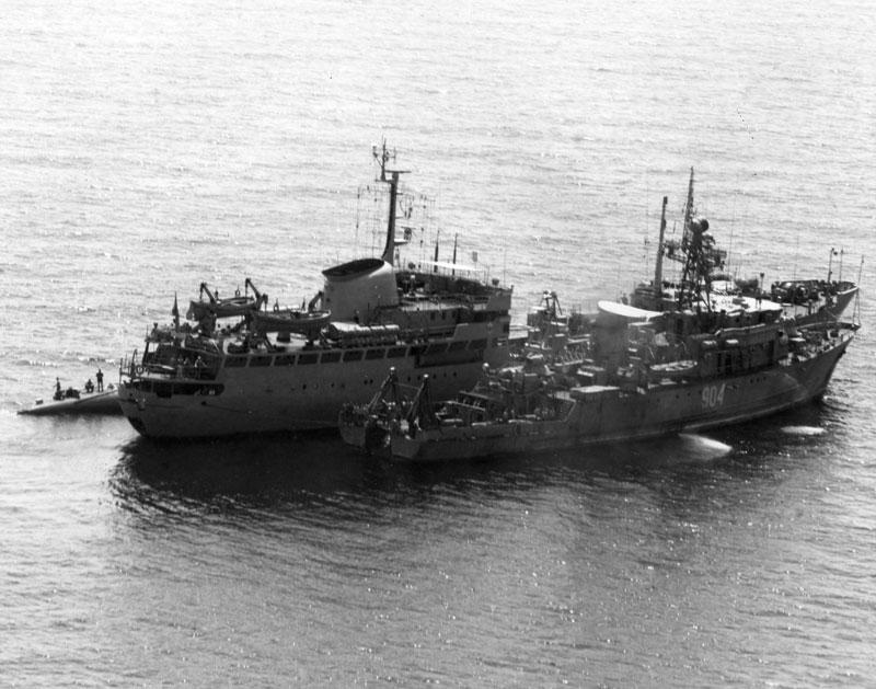 SOVIET_TANGO_WITH_2_SHIPS.jpg