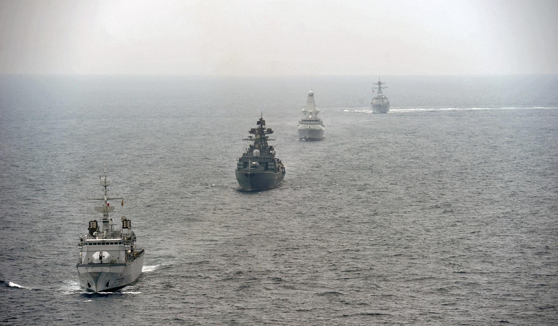 US_Navy_110629-N-XZ912-422_Ships_participate_in_maneuvering_exercises_during_FRUKUS_2011.jpg