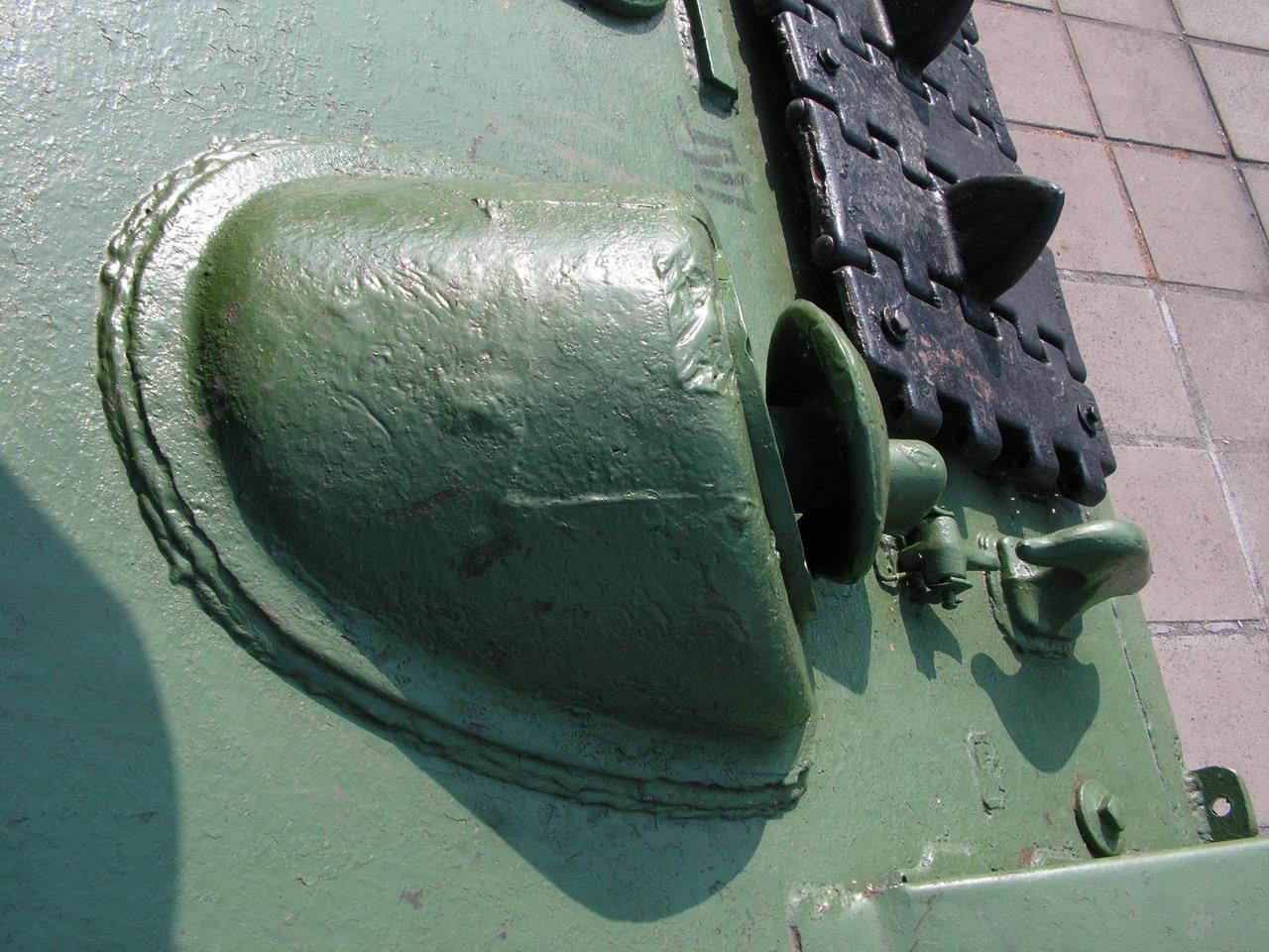 Т-34-85 (Минск, военный городок Уручье, памятник около Дома Офицеров)_14.JPG