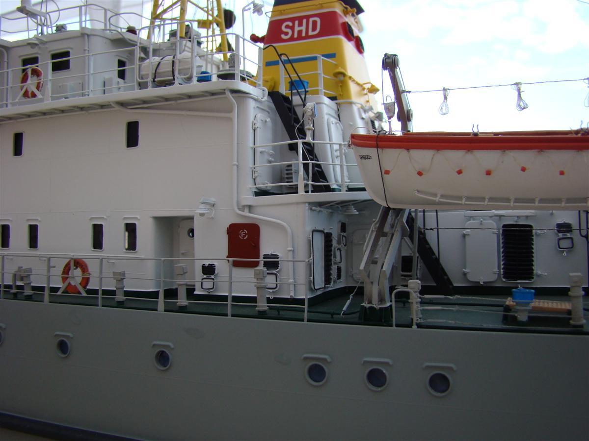 DSC09525 (Custom).JPG