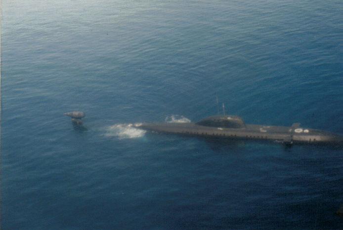 Soviet_victor_III_submarin.jpg