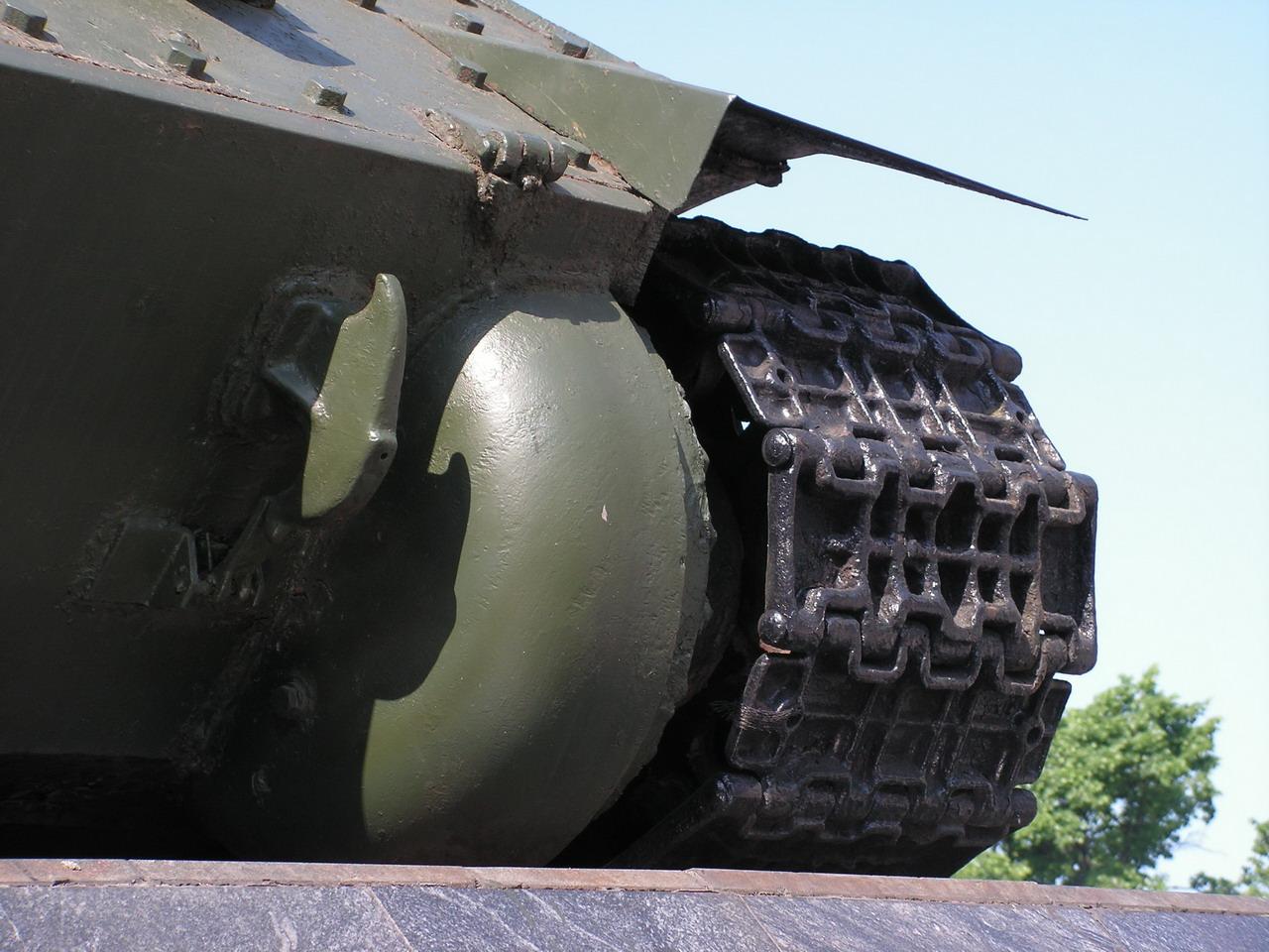 Т-34-85 (Минск памятник около Дома Офицеров)_10.JPG