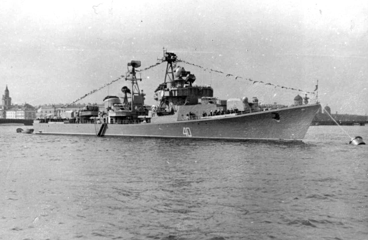 Skromnyi 1 05 1958 on Neva.jpg