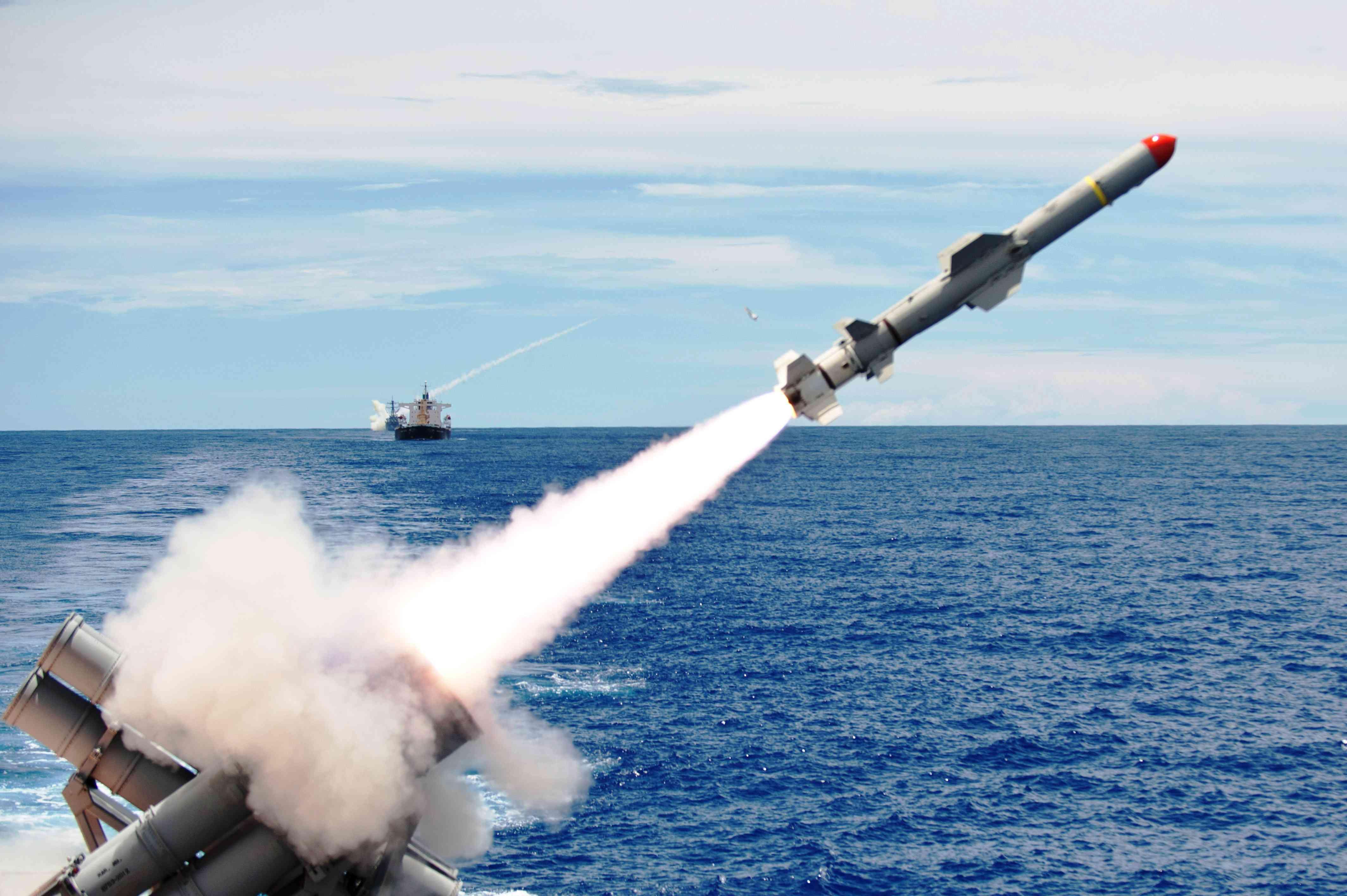 Пуск ПКР =Гарпун= с USS Cowpens (CG 63).jpg