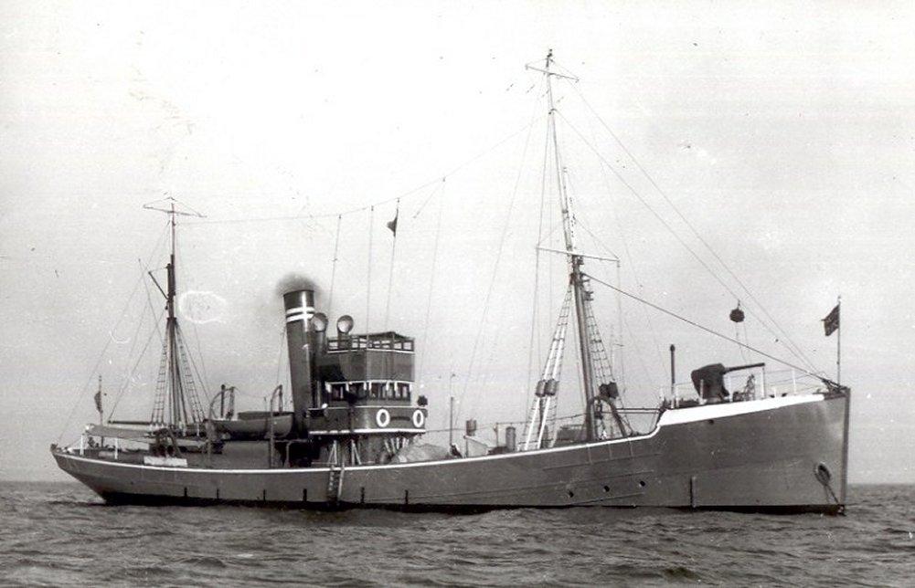 foyle 1918 naval trawler.jpg