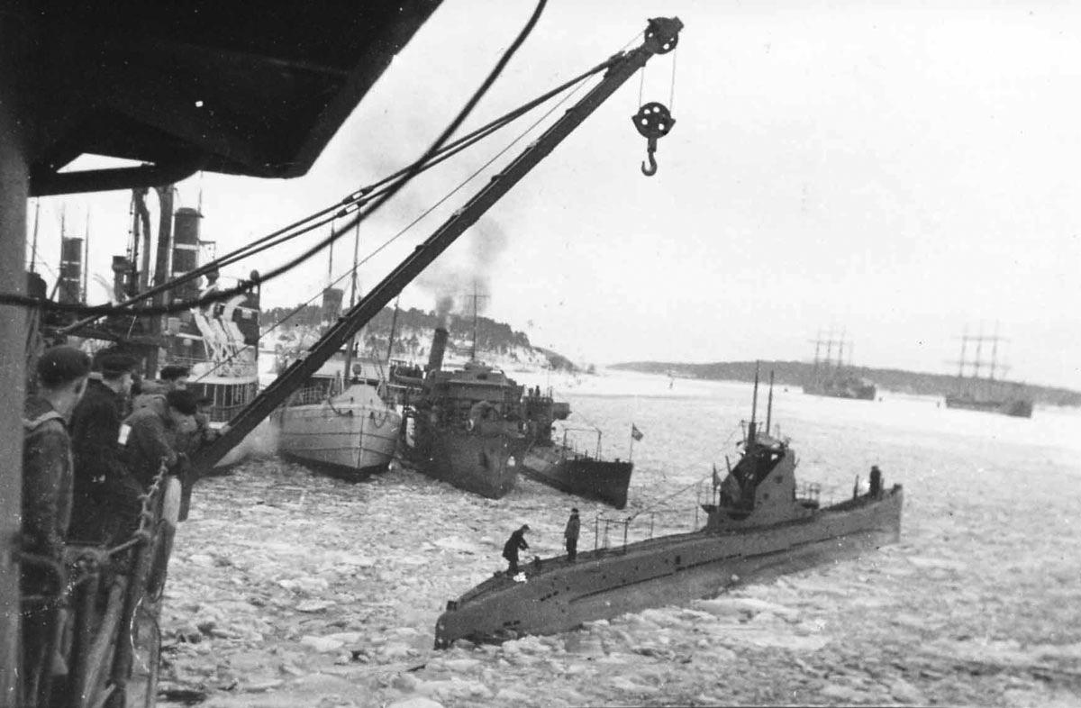 Щ-309 in the port of Turku.jpg