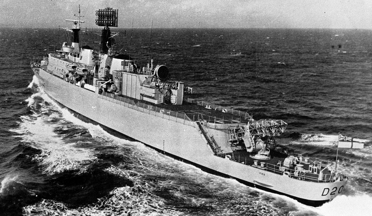 HMS FIFE D20-1.jpg