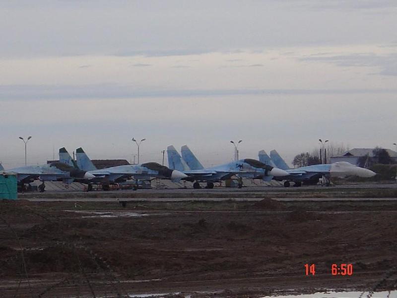 Uzbekistan_Su-27%20Flanker%20%28b%29.jpg