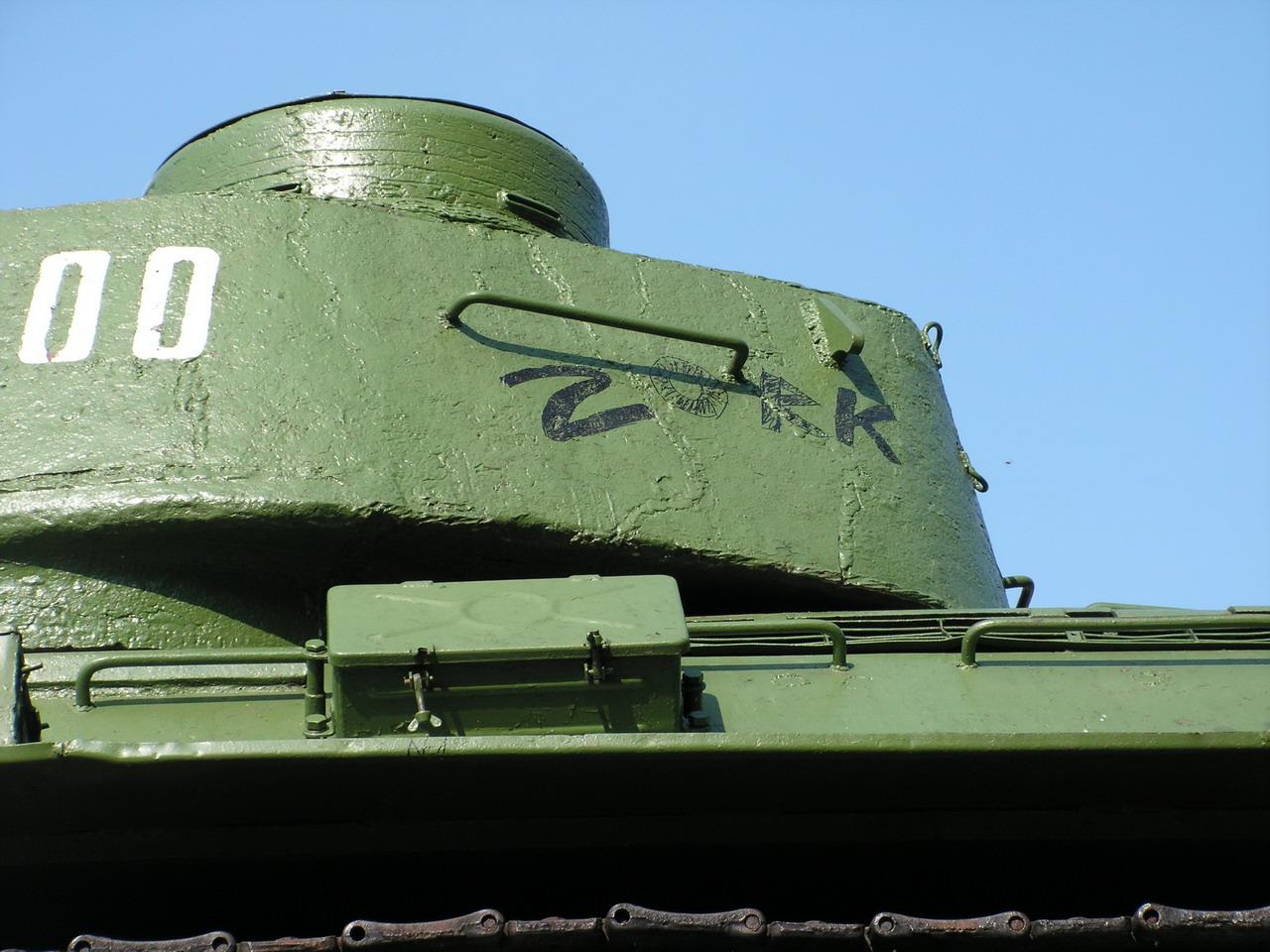 Т-34-85 (Минск, военный городок Уручье, памятник около Дома Офицеров)_07.JPG