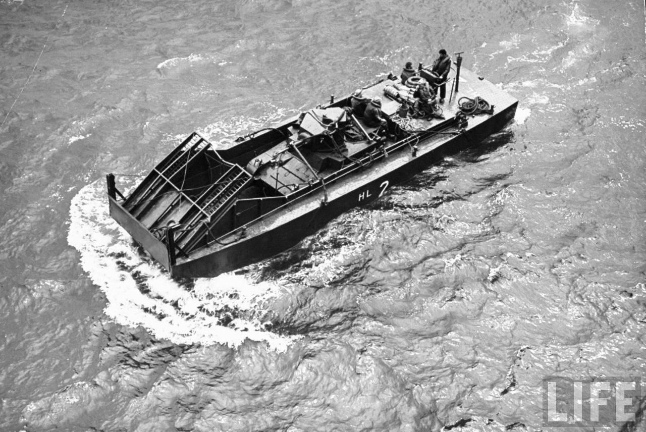 Joint Army-Marine landing maneuvers at New Bern 1941-2.jpg