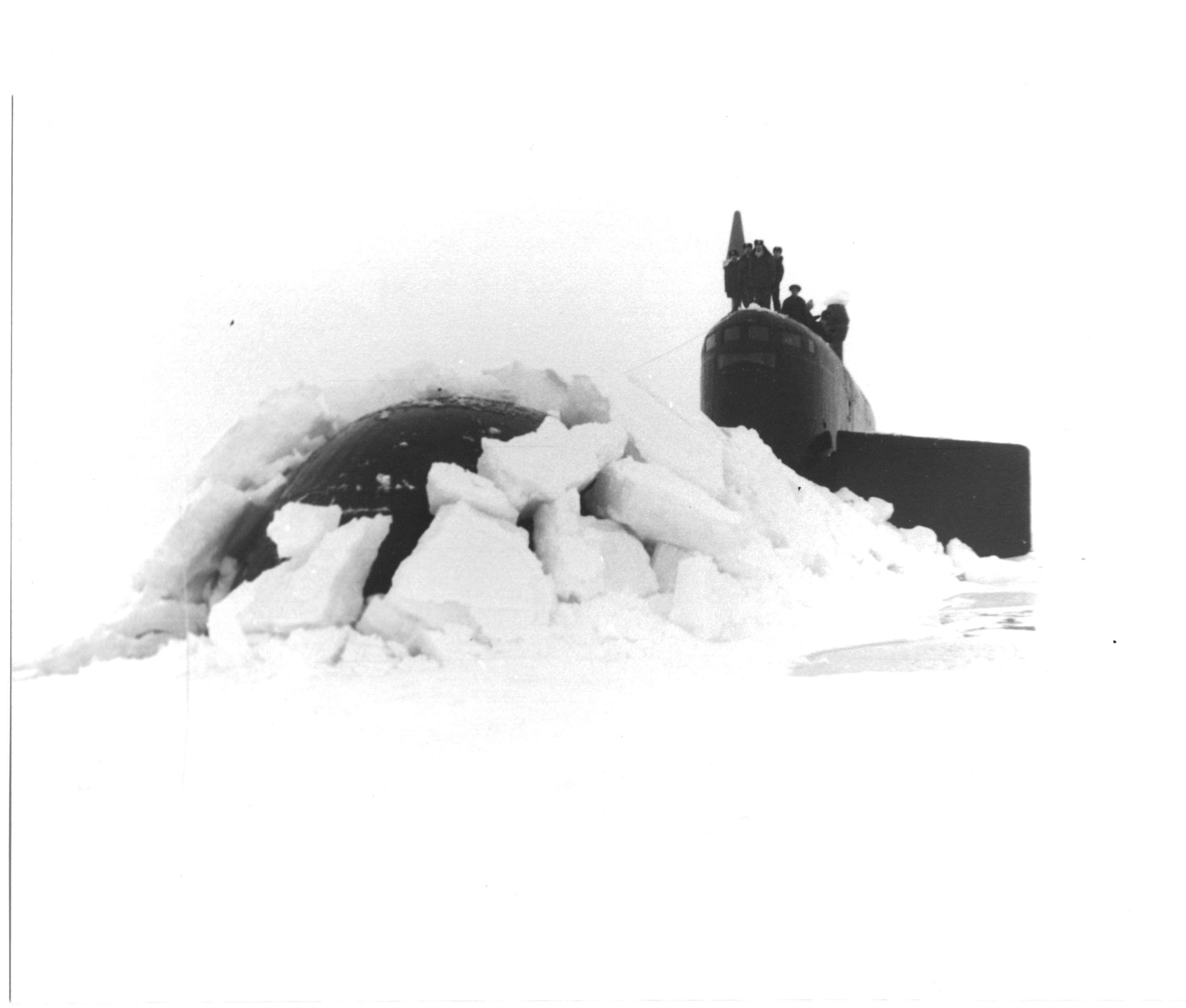 6_667bdr_487_Всплытие во льдах.jpg