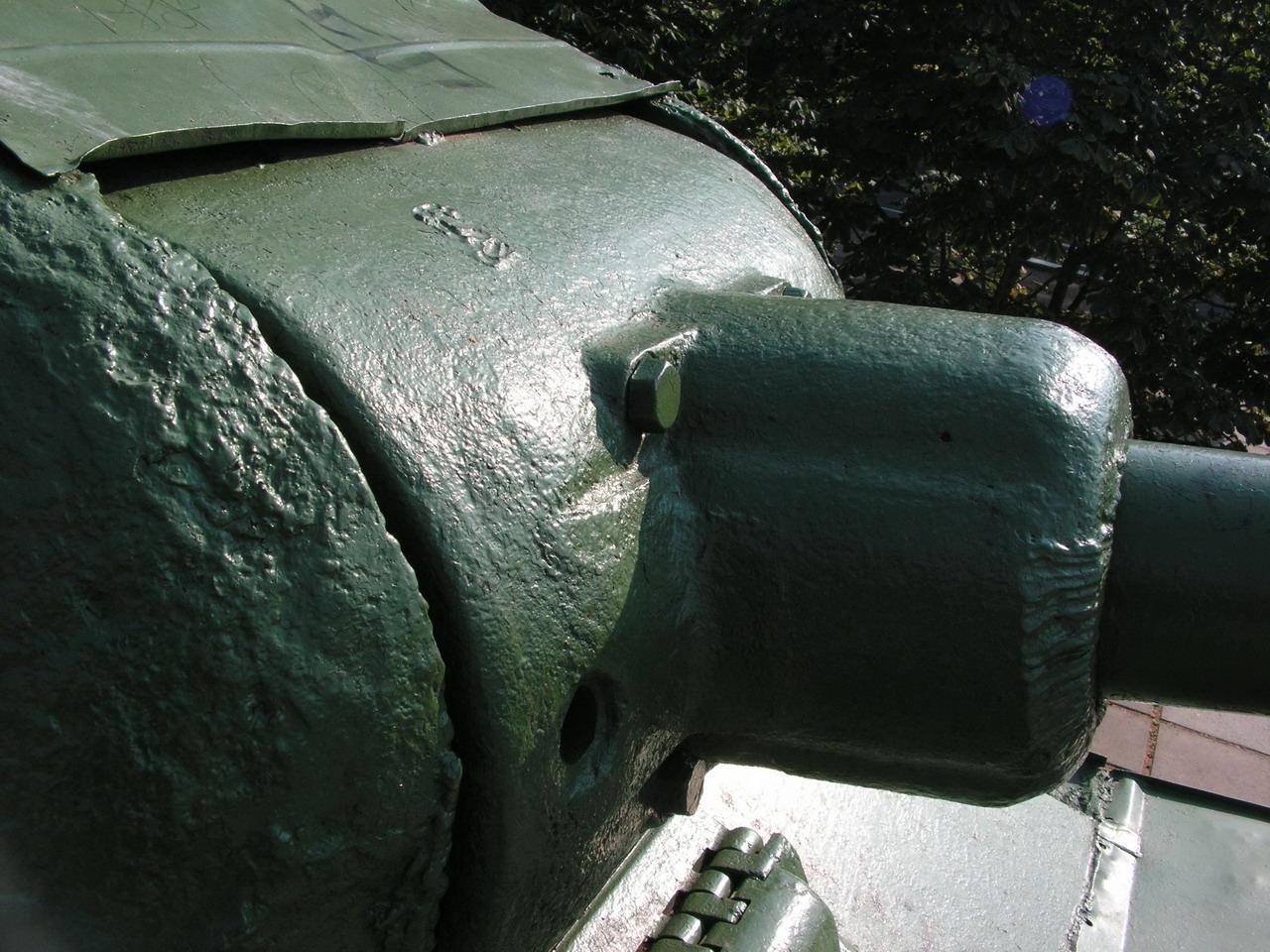 Т-34-85 (Минск, военный городок Уручье, памятник около Дома Офицеров)_02.JPG