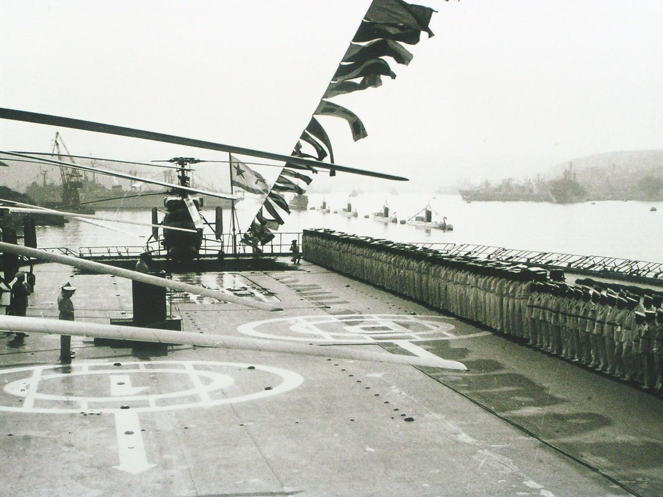 на палубе ПКР пр 1123 (День ВМФ)-.jpg