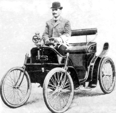 Б.Г. Луцкой на автомобиле собственной конструкции.