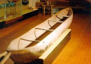 лодка выдолбленная из целого дерева