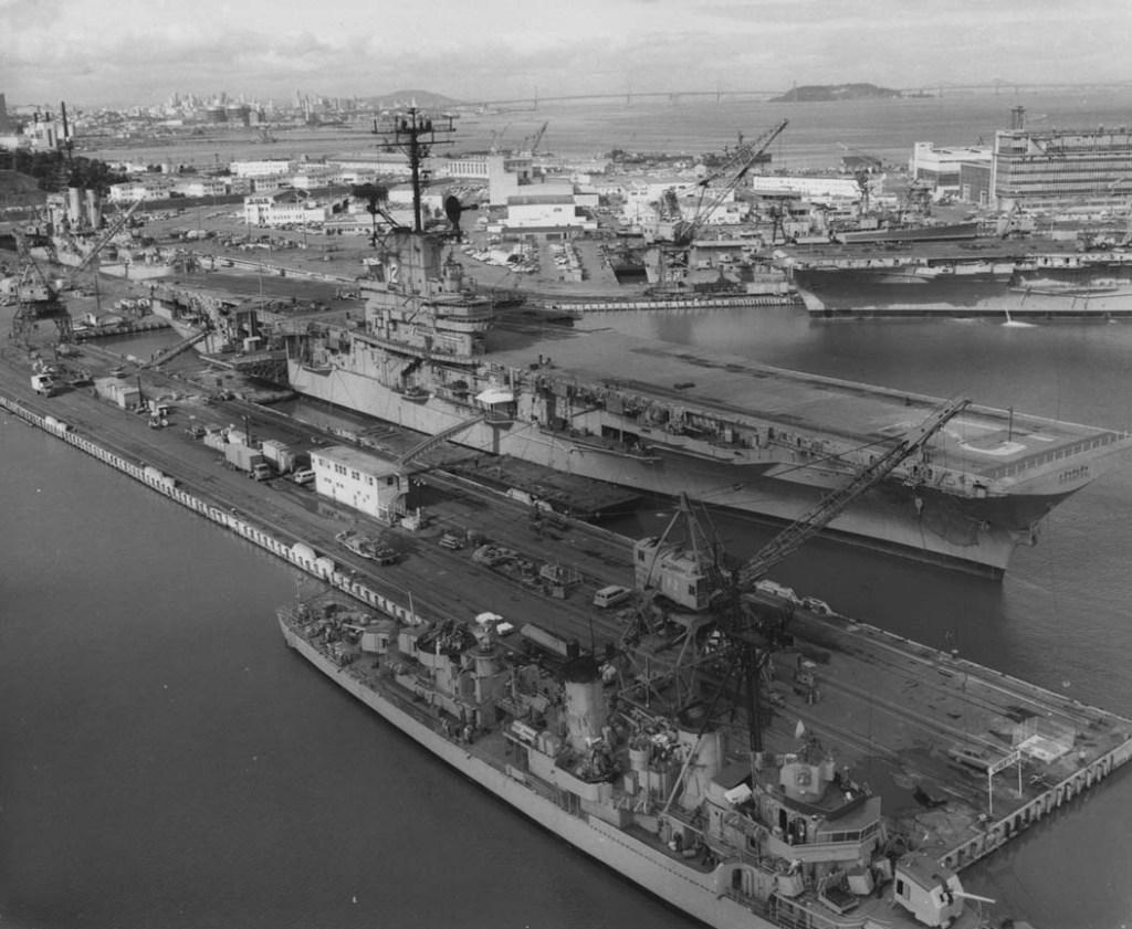 USS Hornet (CV-12) at Hunter's Point.jpg
