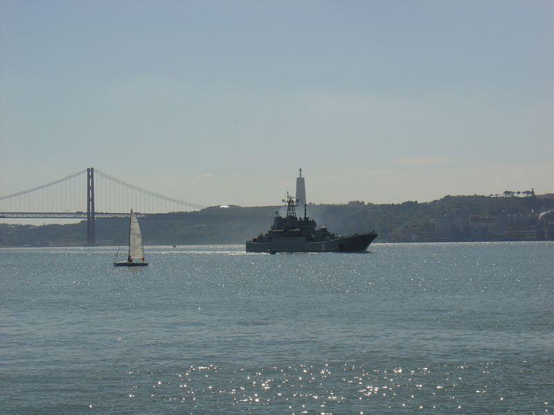 БДК Калининград в Лиссабоне.jpg