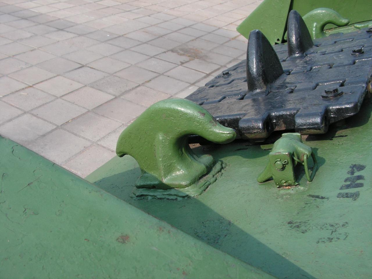 Т-34-85 (Минск, военный городок Уручье, памятник около Дома Офицеров)_18.JPG