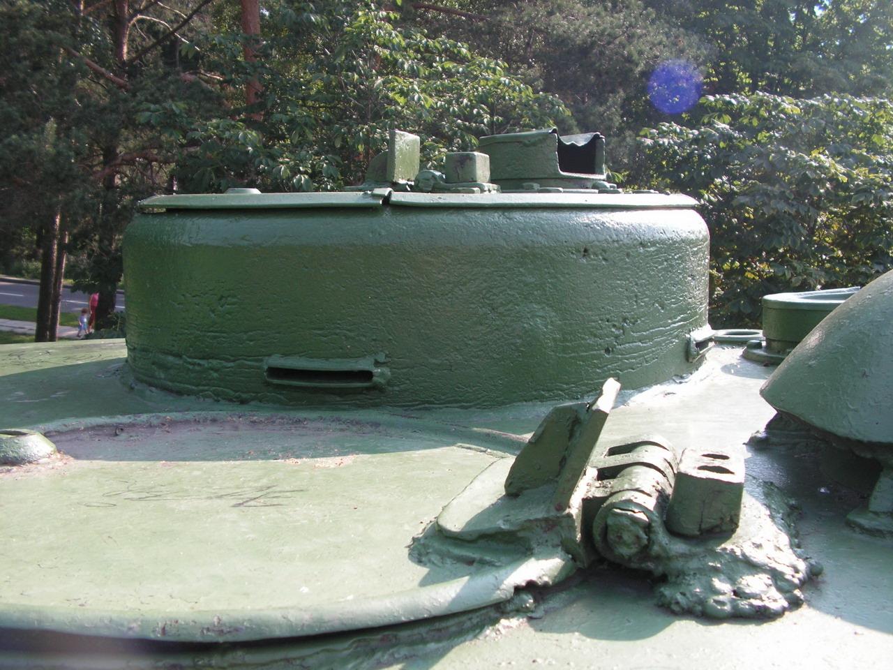 Т-34-85 (Минск, военный городок Уручье, памятник около Дома Офицеров)_12.JPG