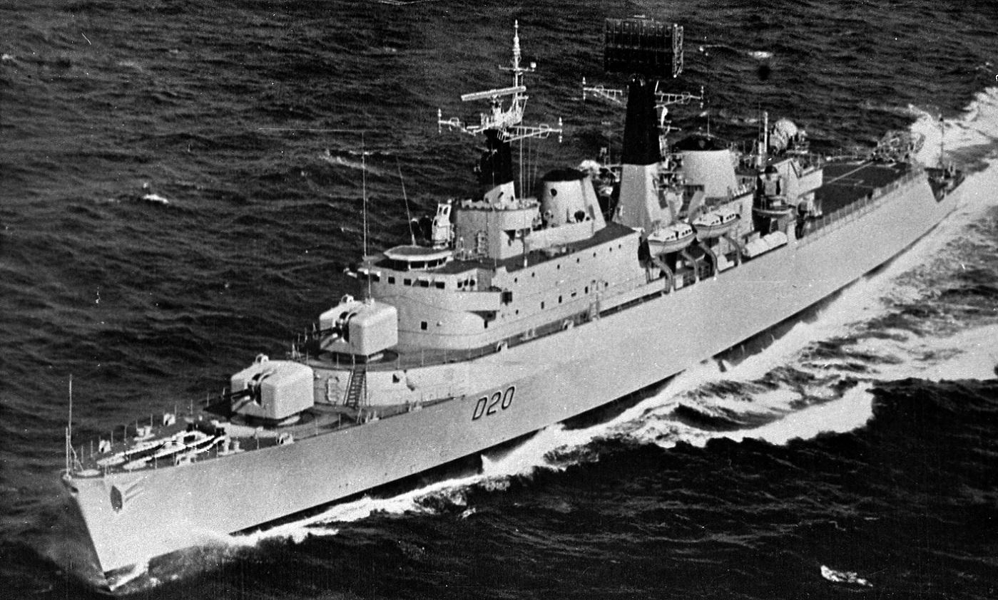 HMS FIFE D20-2.jpg