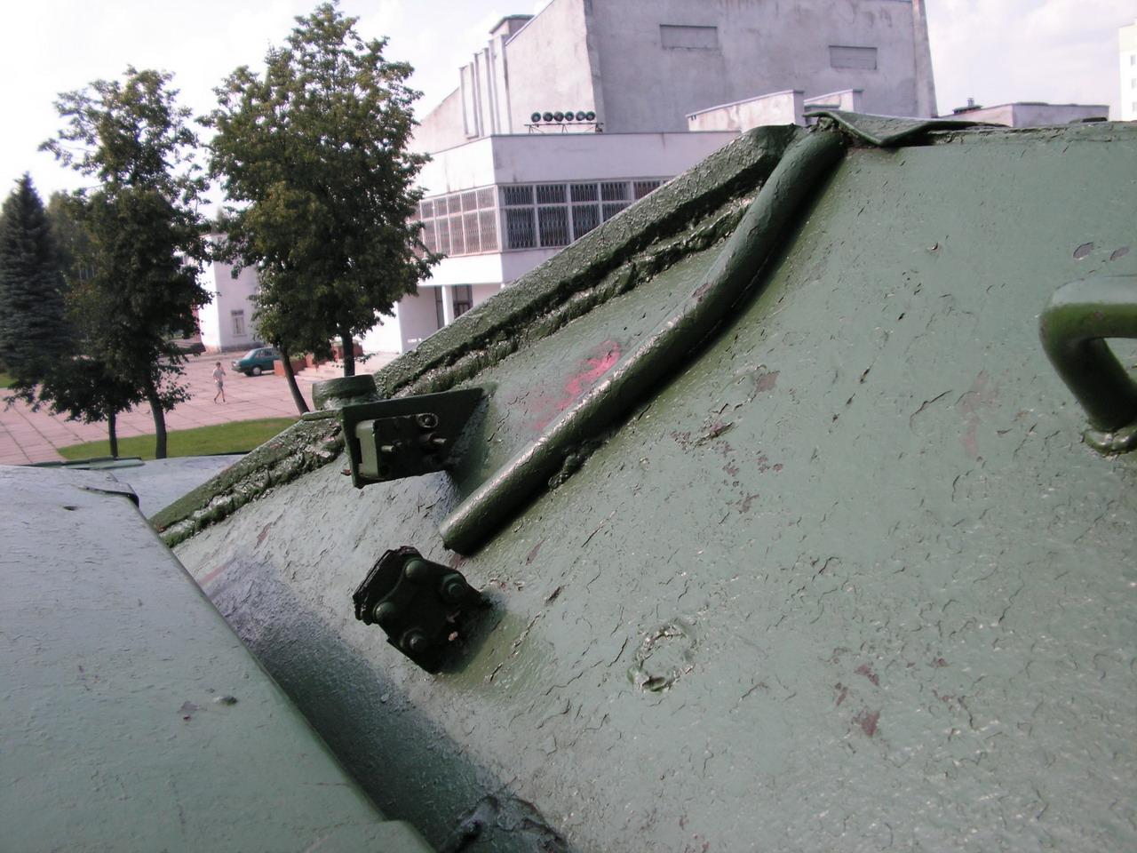 Т-34-85 (Минск, военный городок Уручье, памятник около Дома Офицеров)_19.JPG