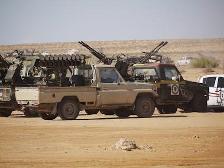 Ливия_гантрак_Тойота_и_БМ-14-17_8У36Л.jpg