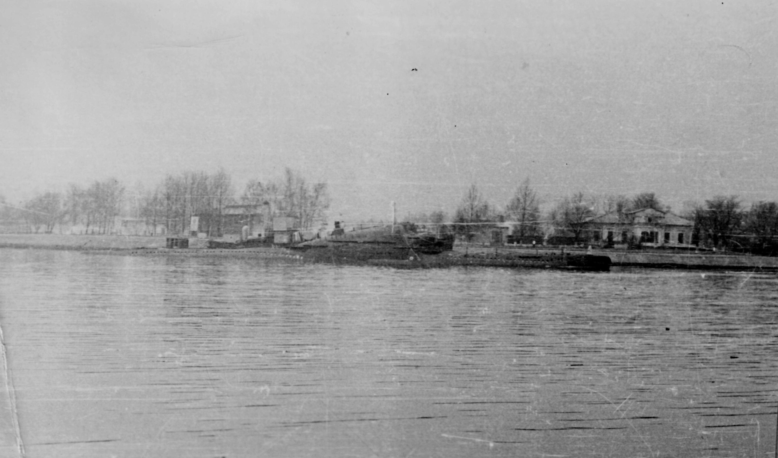 Лиепая военный канал 1980г.jpg