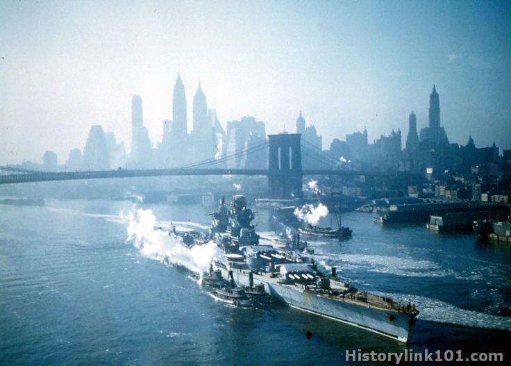 French battleship Richelieu entering New York harbor Nov1943.jpg