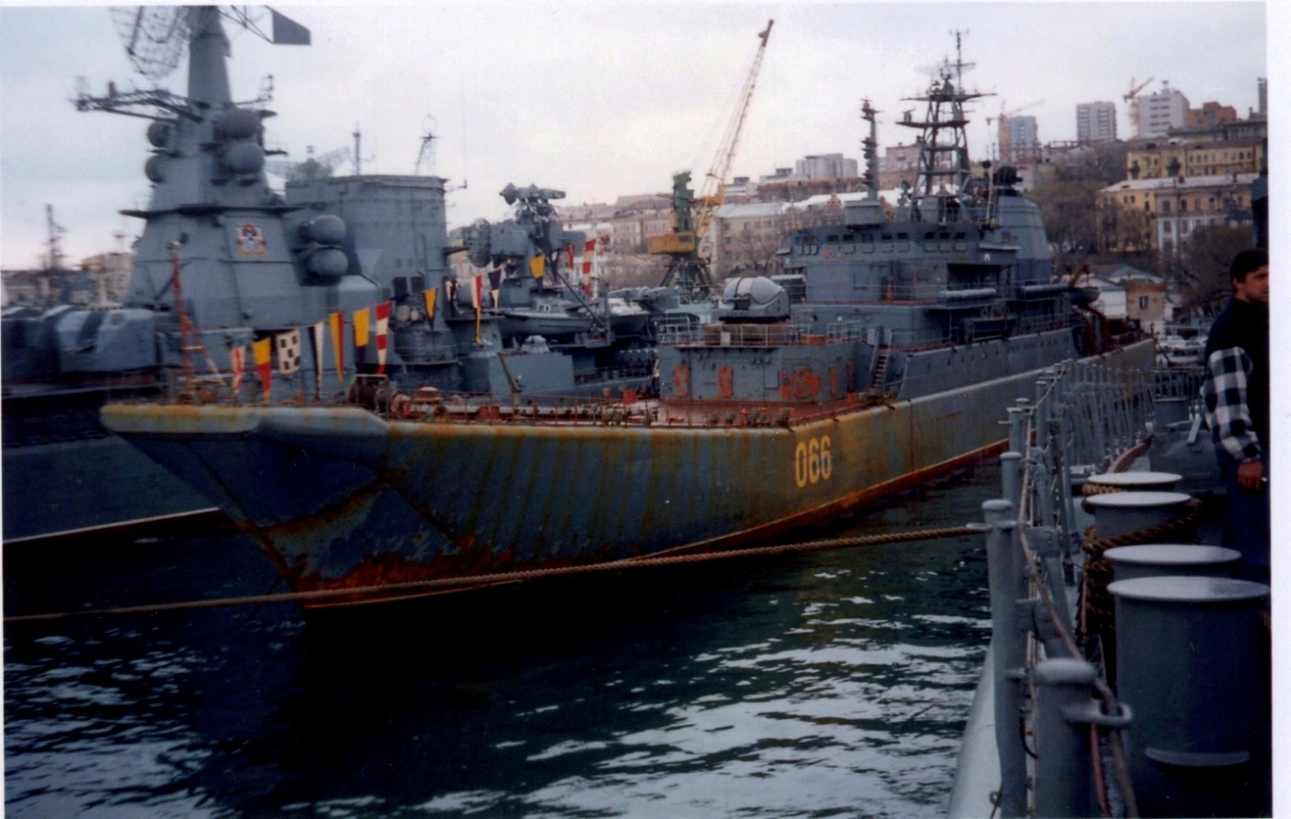 БДК-101_9_05_1996_Лахтиков.jpg
