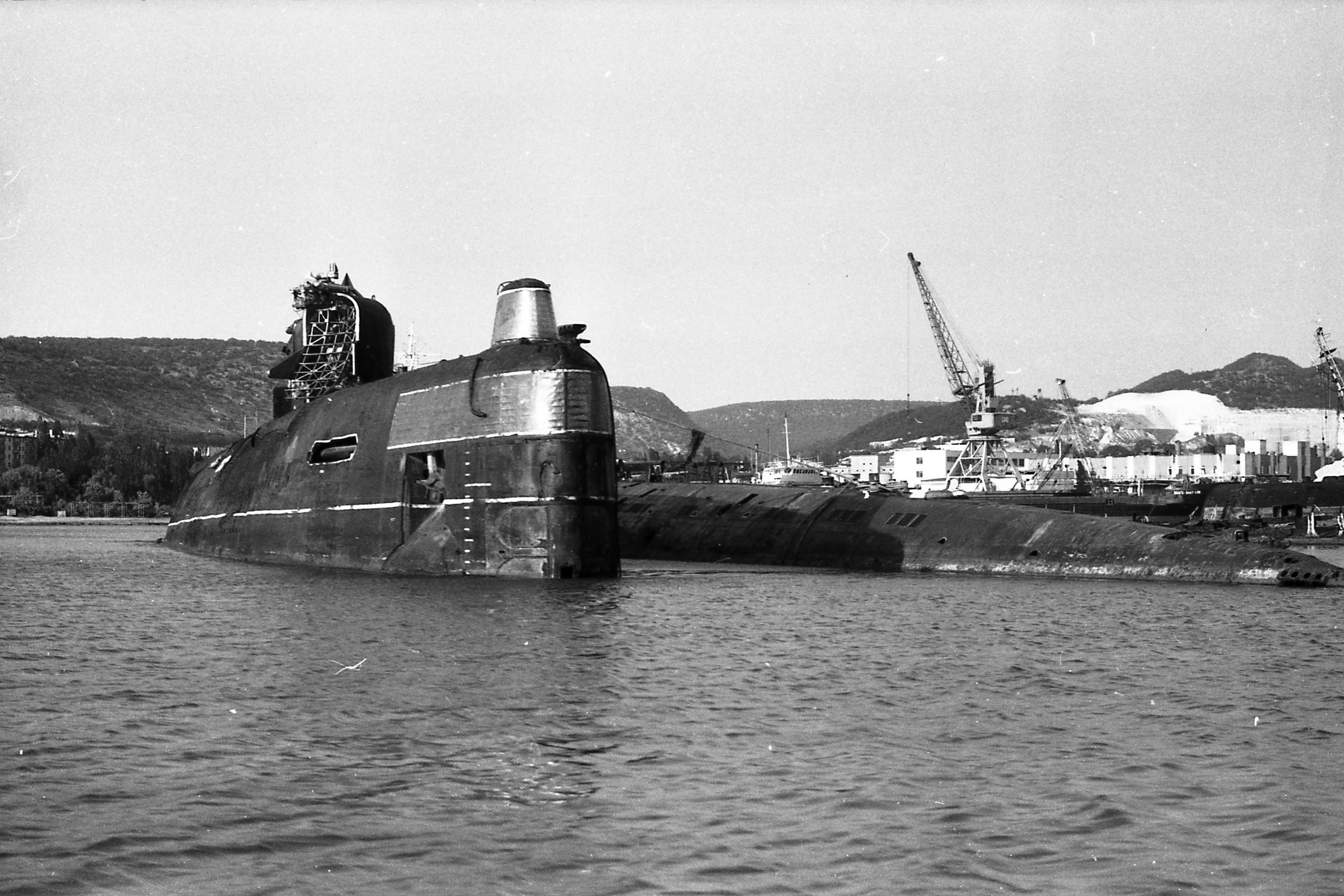 Б-318 и Б-6 в Инкермане.jpg